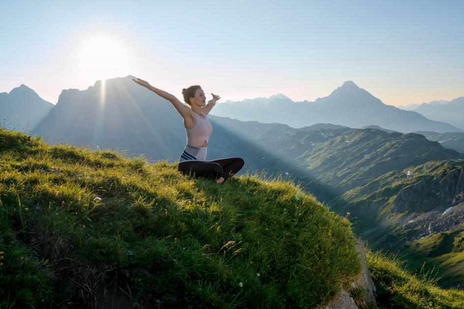 バウアーファインド「ルンボTrain」腰サポーター使用時の体幹筋群に関する研究について